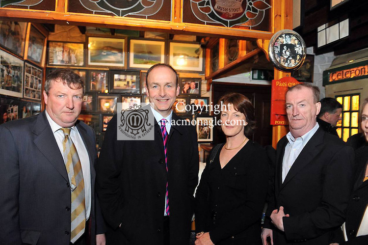 "17-12-2012: Fianna Fasil leader Miceal Martin  with Conor Haughey, Eimear Mulhearn, and Ciaran Haughey after offering their sympatises to the family at Paidi O""Se's wake in Ventry, County Kerry on Monday..Picture by Don MacMonagle"