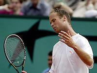 20030608, Paris, Tennis, Roland Garros, Martin Verkerk krijgt geen vat op Ferrero in de finale