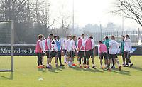 Besprechung der Mannschaft im Training - 25.03.2018: Training der Deutschen Nationalmannschaft, Olympiastadion Berlin