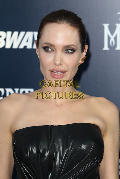Hollywood, CA - May 28: Angelina Jolie Attending World Premiere Of Disney's &quot;Maleficent&quot; At The El Capitan Theatre California on May 28, 2014.  <br /> CAP/MPI/RTNUPA<br /> &copy;RTNUPA/MediaPunch/Capital Pictures