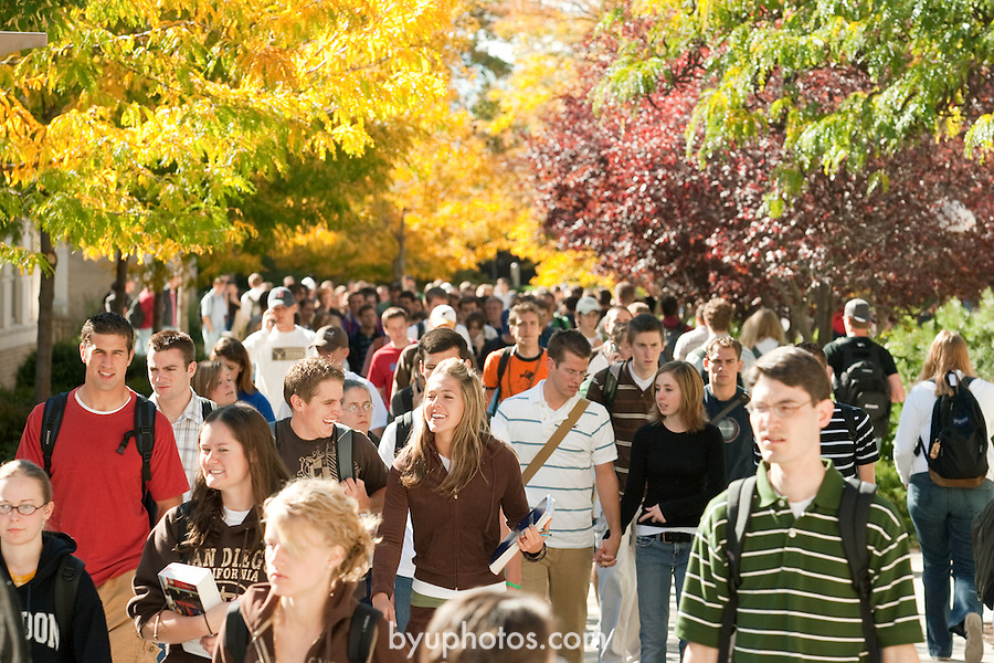 0610-01 BYU General Campus Scenics..GCS..Students walking on Campus, Fall Trees..October 2, 2006..Photography by Jaren Wilkey/BYU..Copyright BYU Photo 2006.All Rights Reserved.photo@byu.edu   (801)422-7322