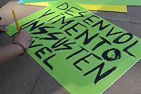 RIO DE JANEIRO-18/06/2012-Preparativos para a Mobilizacao  Marcha a Re, na Cupula dos Povos, Museu de Arte Moderna, Aterro do Flamengo, zona sul do Rio.Foto:Marcelo Fonseca-Brazil Photo Press
