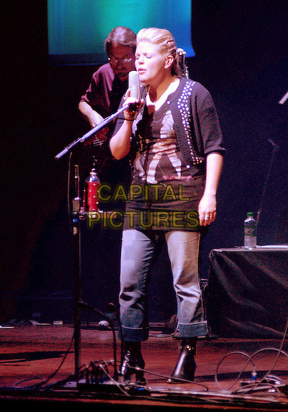 NATALIE MAINES - THE DIXIE CHICKS.Opening Night of 'Vote For Change Tour' presented by MoveOn PAC held at Heinz Hall..October 1, 2004.Photo by Devin Simmons/AdMedia..full length, stage, live, singing .www.capitalpictures.com.sales@capitalpictures.com.© Capital Pictures.