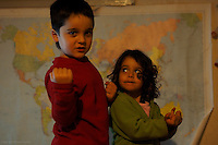 Fecha: 29-11-2014.  Helena y su primo Dani