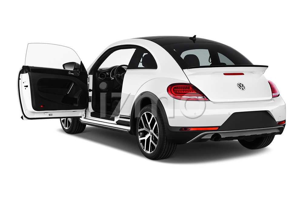 Car images of 2017 Volkswagen Beetle Dune 3 Door Hatchback Doors