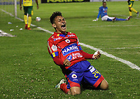 PASTO - COLOMBIA, 15-11-2017:Wilfrido de La Rosa  del Deportivo Pasto celebra después de anotar tres goles al Atlético Huila  durante partido por la fecha 17 de la Liga Aguila II 2017 jugado en el estadio La Libertad de la ciudad de Pasto. / Wilfrido de La Rosa of Deportivo Pasto celebrates after scoring three goals to Atletico Huia  during match for the date 17 of the Liga Aguila II 2017 played at La Libertad Stadium in Pasto  city. Photo: Vizzorimage / Leonardo Castro / Contribuidor
