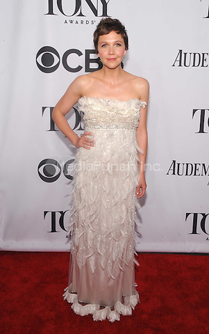 New York, NY- June 8: Maggie Gyllenhaal attend the American Theater Wing's 68th Annual Tony Awards on June 8, 2014 at Radio City Music Hall in New York City. (C)  Credit: John Palmer/MediaPunch