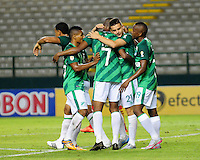 PALMIRA -COLOMBIA-23-07-2015. Harold Preciado (#7) jugador del Deportivo Cali celebra con sus compañeros un gol anotado a Uniautonoma  durante partido válido por la fecha 3 de la Liga Aguila II 2015 jugado en el estadio Palmaseca de la ciudad de Palmira./  Harold Preciado (#/) player of Deportivo Cali celebrates a goal scored to Uniautonoma during match for the third date of the Postobon League II 2013 played at Palmaseca stadium in Cali city.  Photo: VizzorImage/ Nelson Rios /Cont
