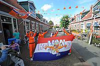 ALGEMEEN: HARLINGEN: 29-06-2014, Nicolaas Baurstraat Oranjefans, ©foto Martin de Jong