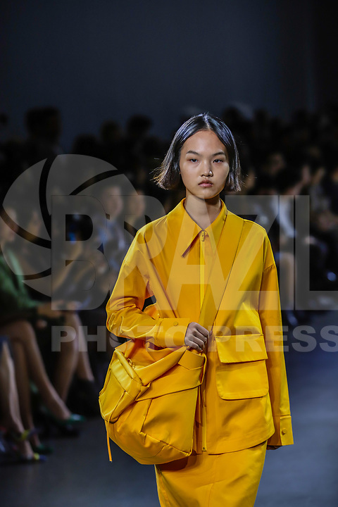 NOVA YORK, EUA,08/09/2019 -  Modelo durante desfile  Lily no New York Fashion Week na cidade de Nova York neste domingo, 08. (Foto: Vanessa Carvalho/Brazil Photo Press)