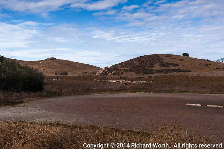 In mid-October 2014 the additional parking at Coyote Hills Regional Park was bone dry.