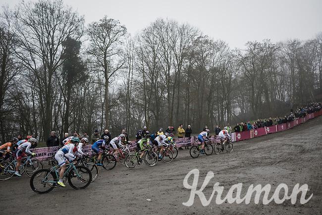 start of the women's race<br /> <br /> UCI Cyclocross World Cup Namur/Belgium 2016