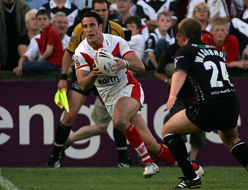 Photo: Paul Thomas..St Helens v Hull RL. Engage Super League. 08/06/2006..Lee Gilmour of St Helens.