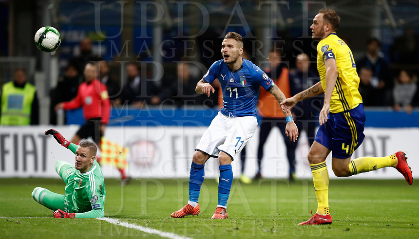 Soccer Football - 2018 World Cup Qualifications - Europe - Italy vs Sweden - San Siro, Milan, Italy - November 13, 2017 <br /> Italy's Ciro Immobile (c) in action with Sweden's goalkeeper Robin Olsen (l) and Captain Andreas Granqvist (r) during the FIFA World Cup 2018 qualification football match between Italy and Sweden at the San Siro Stadium in Milan on November 13, 2017.<br /> UPDATE IMAGES PRESS/Isabella Bonotto