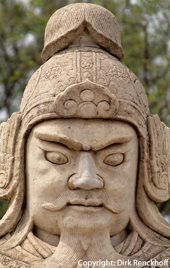 Militärmandarin auf der Geisterallee, Minggräber, Peking (Beijing), China, Unesco-Weltkulturerbe
