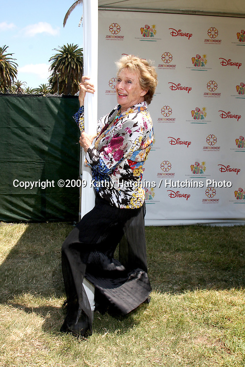 "Cloris Leachman arriving at ""A Time For Heroes Celebrity Carnival"" benefiting the Elizabeth Glaser Pediatrics AIDS Foundation at the Wadsworth Theater Grounds in Westwood , CA on June 7, 2009 .©2009 Kathy Hutchins / Hutchins Photo.."