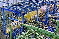 Produção de aviões na indústria Embraer. São José dos Campos. São Paulo. 1998. Foto de Ricardo Azoury.