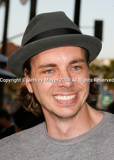 "HOLLYWOOD, CA. - June 02: Actor Dax Shepard  arrives at the Los Angeles premiere of ""The Hangover"" at Grauman's Chinese Theatre on June 2, 2009 in Hollywood, California."