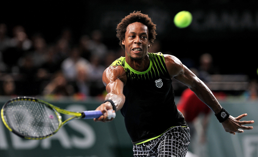 Gael MONFILS (FRA) the No 12 seed in action against Andy MURRAY (GBR) the No 3 seed in the Quarter-final. Gael MONFILS beat Andy MURRAY 6-2  2-6  6-3  ..