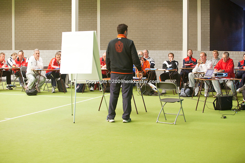 28-10-09, Utrecht, Tennis kids reader,