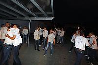 Büttelborn 16.09.2016: Ausgraben der Büttelborner Kerb<br /> Biddelberner Kerweborsch vun de Tornhall feiern das Kerbausgraben