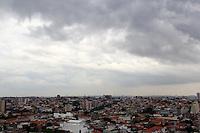 SAO PAULO, SP. 11 DE JANEIRO 2012. CLIMA TEMPO. Vista do bairro do Jabaquara, regiao sul de SP, na tarde desta quarta-feira, 11. FOTO MILENE CARDOSO - NEWS FREE