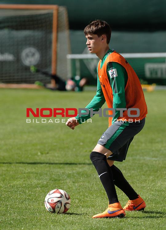 06.05.2015, Trainingsgelaende, Bremen, GER, 1.FBL, Training Werder Bremen, im Bild Luca Zander (Bremen #19)<br /> <br /> Foto &copy; nordphoto / Frisch