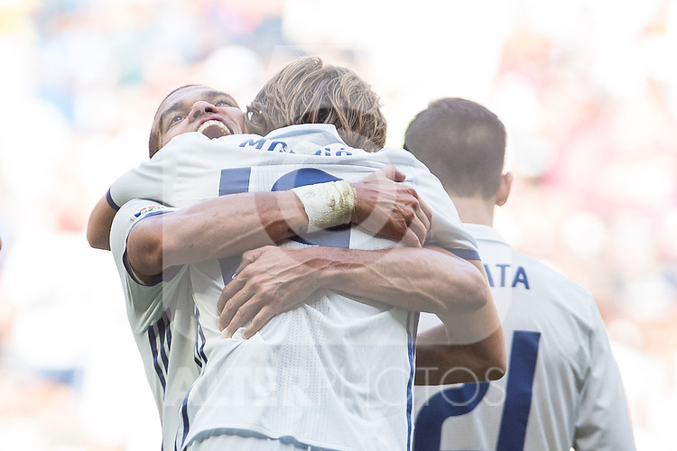 Real Madrid's Luka Modric and Pepe during the match of La Liga between Real Madrid and Club Atletico Osasuna at Santiago Bernabeu Estadium in Madrid. September 10, 2016. (ALTERPHOTOS/Rodrigo Jimenez)