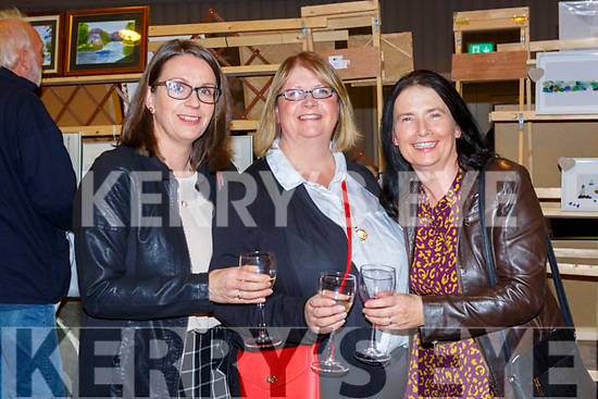 Siobhan Byrne, Geraldine Carleton and Teresa White at the Killarney Rotary club Wine and ARt evening in the Great Southern Hotel