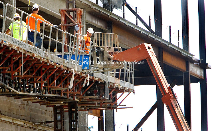 TORRINGTON CT. 25 August 2015-082515SV01-Workers continue to add block to the walls of the new court house in Torrington Tuesday.<br /> Steven Valenti Republican-American