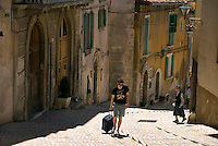 L'Aquila, Abruzzo, Italy, June 2008. The narrow streets, of the medieval city of L'Aquila, are lined with monumantal buildings. Photo by Frits Meyst/Adventure4ever.com