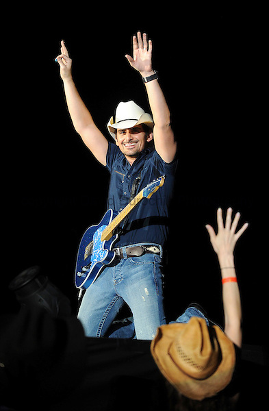 BRAD PAISLEY AT WRIGLEY FIELD