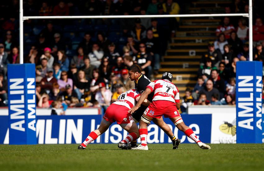 Photo: Richard Lane/Richard Lane Photography. London Wasps v Gloucester Rugby. Amlin Challenge Cup Quarter Final. 11/04/2010. Wasps' Sakaria Taulafo attacks.