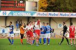 2015-10-25 / Voetbal / Seizoen 2015-2016 / FC Turnhout - KV Vosselaar / FC Turnhout viert de 3-1 overwinning tegen de buren uit Vosselaar. Teleurstelling bij Jonas Nijs van Vosselaar<br /><br />Foto: Mpics.be