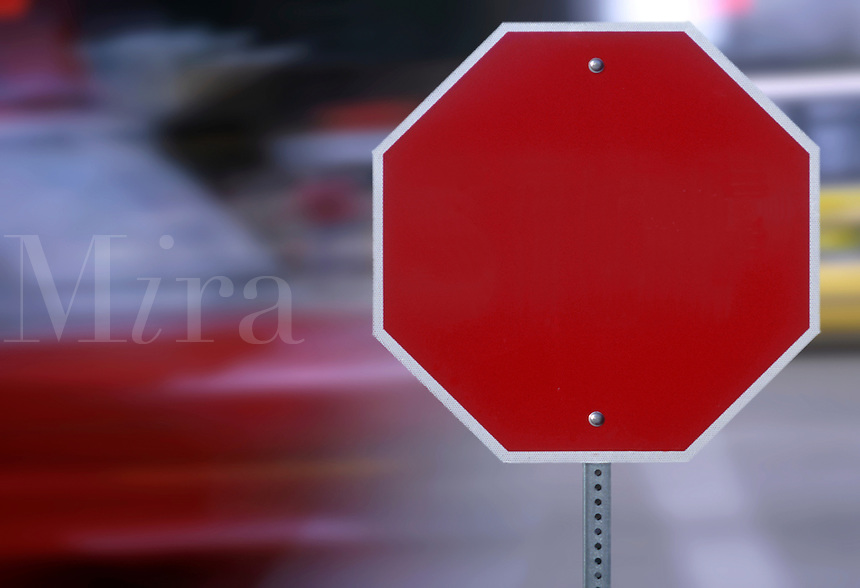 Blank road sign that resembles a stop sign.