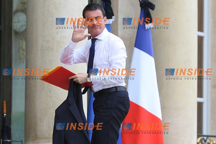 Manuel Valls<br /> Parigi 16/7/2016 Consiglio di Difesa<br /> Foto Gwendoline Le Goff / Panoramic/ Insidefoto
