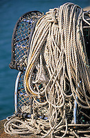 Europe/France/Bretagne/56/Morbihan/Quiberon/Port-Haliguen : Casiers à crustacés et cordages sur le port