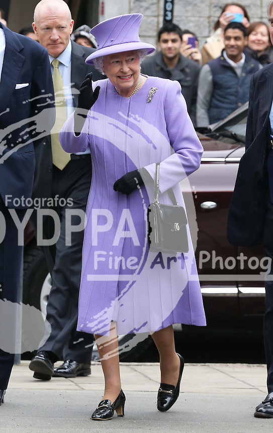 THE QUEEN IN HOSPITAL.  The Queen arriving to open the National Centre for Bowel Research and Surgical Innovation in London, Wednesday 27th February 2013, her last public appearance before falling ill.  Photo by: Stephen Lock / i-Images / DyD Fotografos