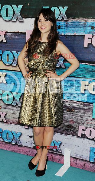WEST HOLLYWOOD, CA - JULY 23: Zooey Deschanel arrives at the FOX All-Star Party on July 23, 2012 in West Hollywood, California. / NortePhoto.com<br /> <br /> **CREDITO*OBLIGATORIO** *No*Venta*A*Terceros*<br /> *No*Sale*So*third* ***No*Se*Permite*Hacer Archivo***No*Sale*So*third*&Acirc;&copy;Imagenes*con derechos*de*autor&Acirc;&copy;todos*reservados*. /eyeprime