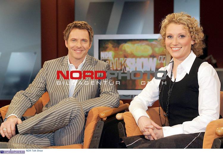 Pressetermin zu der 500. Folge der &quot;NDR Talk Show&quot; in Hamburg<br /> <br /> Sendetermin 11.Februar 2005  22.00 Uhr<br /> <br /> Moderatoren Joerg Pilawa und Franca Magnani<br /> <br /> Foto &copy; nordphoto / Anja Heinemann<br /> <br />  *** Local Caption *** Foto ist honorarpflichtig! zzgl. gesetzl. MwSt.<br />  Belegexemplar erforderlich<br /> Adresse: nordphoto<br /> Georg-Reinke-Strasse 1<br /> 49377 Vechta