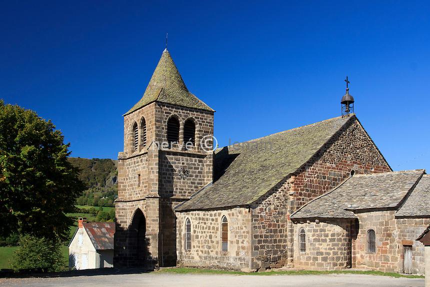 France, Cantal (15), Cheylade, extérieur de l'église Saint-Léger // France, Cantal, Cheylade, the church St Léger