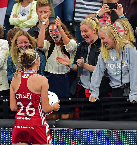 30.08.2015. Lea Valley, London, England. Unibet EuroHockey Championships Day 10. Gold Medal Final. England versus Netherlands. Lily Owsley (ENG) shares her delight with her friends