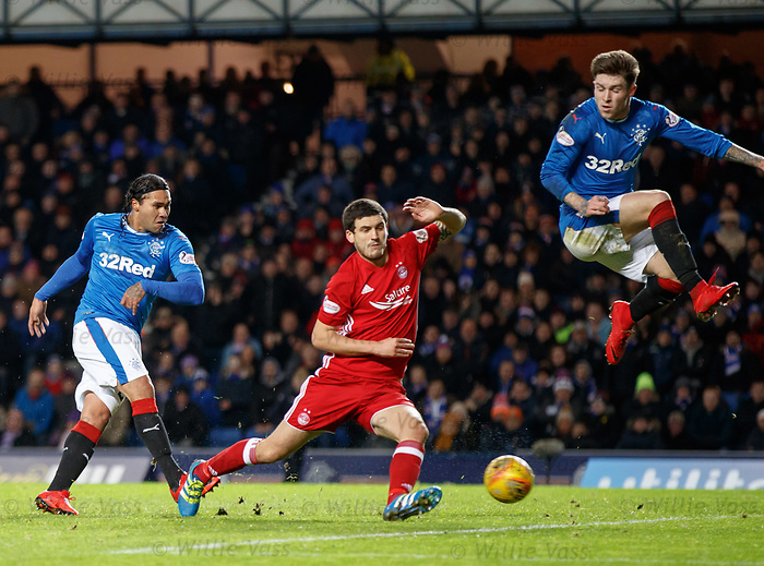Carlos Peña scores the second goal for Rangers