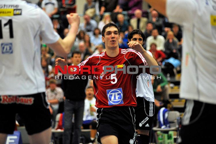 Volleyball-Bundesliga 2009/2010  8. Spieltag Hinrunde / Dieter-Renz-Halle Bottrop<br /> RWE Volleys Bottrop vs. VfB Friedrichshafen 0 - 3<br /> <br /> Nikola Rosic (#5 VfB Friedrichshafen)<br /> <br /> Foto &not;&copy; nph ( nordphoto ) *** Local Caption *** *** Local Caption *** <br /> Fotos sind ohne vorherigen schriftliche Zustimmung ausschliesslich f&radic;ľr redaktionelle Publikationszwecke zu verwenden.<br /> <br /> Auf Anfrage in hoeherer Qualitaet/Aufloesung