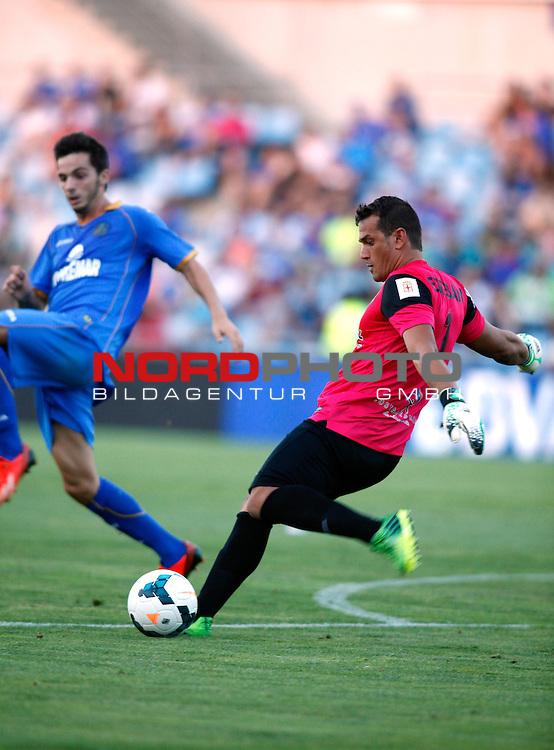 Almeria's goalkeeper Esteban during La Liga match.August 23,2013. Foto © nph / Victor Blanco)
