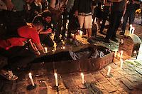 RIO DE JANEIRO, RJ, 09 SETEMBRO 2013 - OCUPA CÂMARA 1 MÊS -  Para lembrar 1 mês do movimento Ocupa Câmara em que manifestantes encontram-se acampados em frente a Câmara dos Vereadores, Lapides contendo nomes de diversos políticos entre eles Sergio Cabral, Eduardo Paes, Chiquinho Brazão, Prof Uoston, Renato Moura, Marcelo Queiroz, Jorginho da SOS Marcelo Felippe e do empresário dono de empresas de ônibus Jacob Barata, foram colocadas em frente a Câmara dos Vereadores o ato também contou com a participação do MPL (Movimento Passe Livre), nessa segunda 09. (FOTO: LEVY RIBEIRO / BRAZIL PHOTO PRESS)
