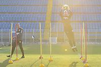 PIRACICABA,SP, 28.07.2016 - FUTEBOL-XV. O goleiro Mateus Pasinato durante treino do XV de Piracicaba no Estádio Barão da Serra Negra, em Piracicaba, interior de São Paulo, nesta sexta-feira, 28.  ( Foto: Mauricio Bento/ Brazil Photo Press)