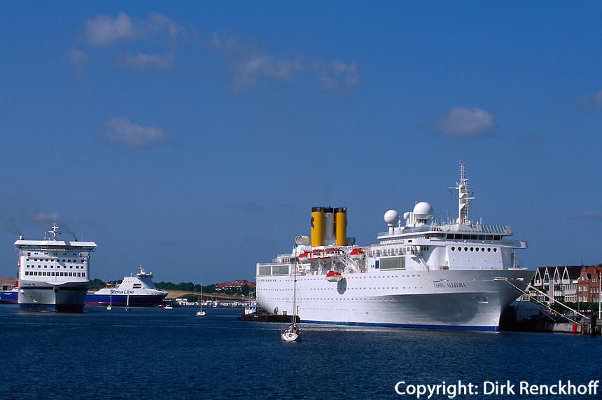 Kreutfahrtschiff in Travemünde, Schleswig-Holstein, Deutschland