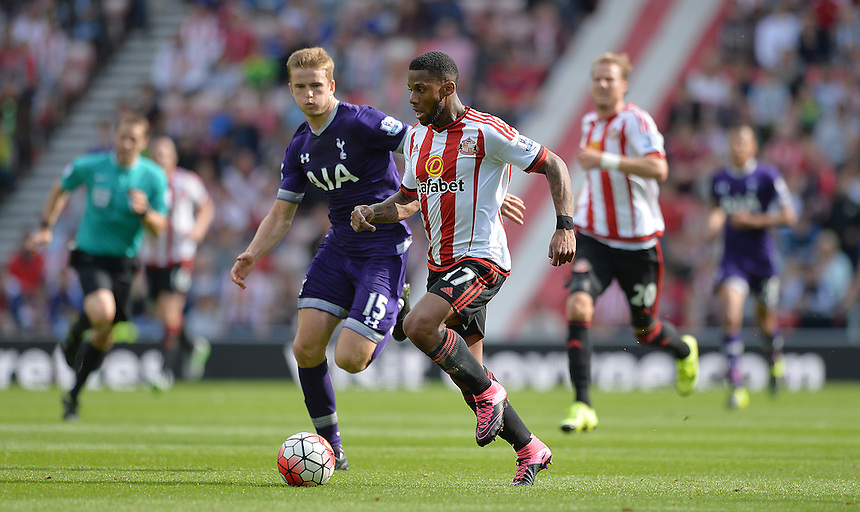 Sunderland's Jeremain Lens battles past Tottenham Hotspur's Eric Dier<br /> <br /> Photographer Dave Howarth/CameraSport<br /> <br /> Football - Barclays Premiership - Sunderland v Tottenham Hotspur - Sunday 13th September 2015 - Stadium of Light - Sunderland<br /> <br /> &copy; CameraSport - 43 Linden Ave. Countesthorpe. Leicester. England. LE8 5PG - Tel: +44 (0) 116 277 4147 - admin@camerasport.com - www.camerasport.com