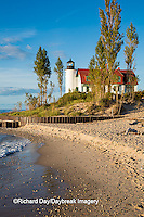64795-00914 Point Betsie Lighthouse on Lake Michigan, Benzie County, Frankfort, MI